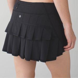 Lululemon Black Run Pace Setter Skirt 6
